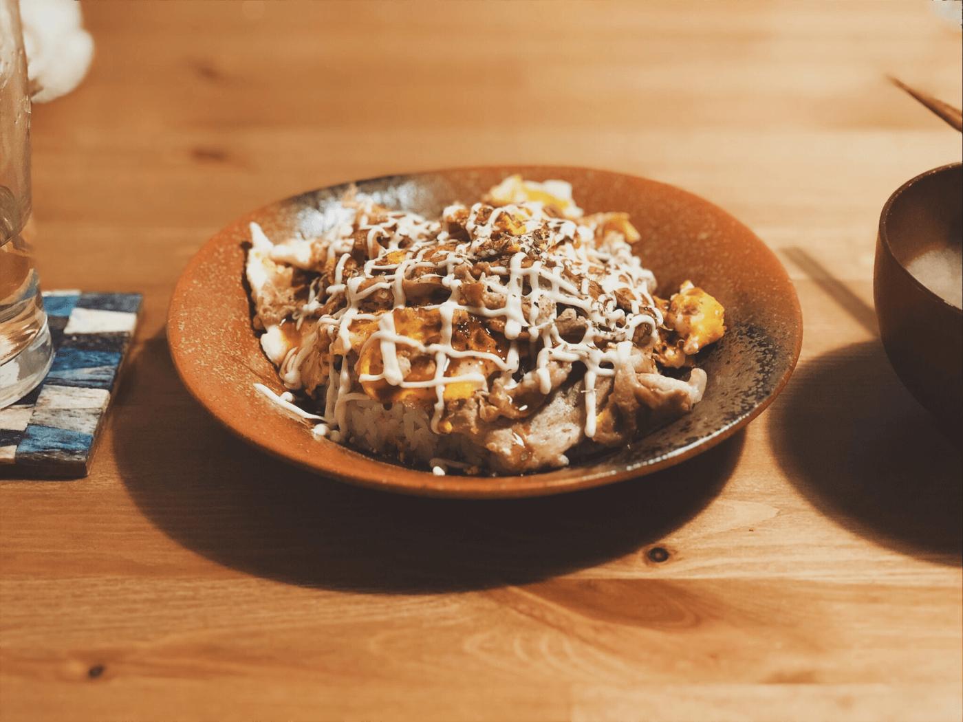 広島県呉市のソウルフード「肉玉ライス」をみんな食べるのだ